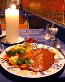 220px-Norwegian.cuisine-Reinsdyrsteik-01[1]